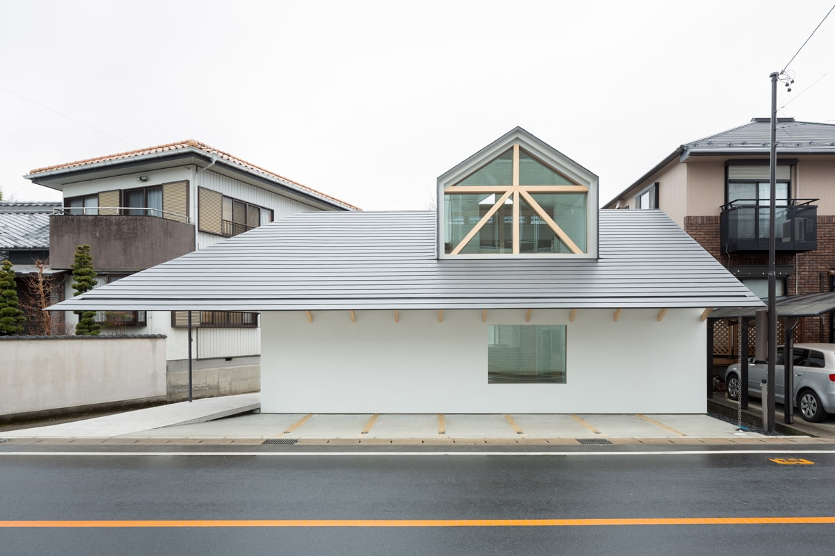 Hiroki Tominaga – Atelierドーマー窓の家 / House with Dormer window